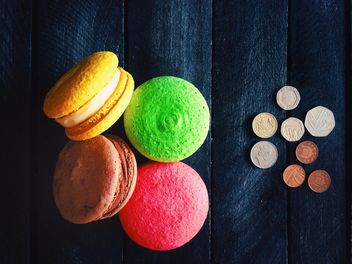Colored macaroons and coins - Free image #136293
