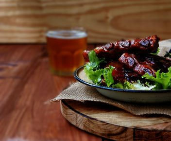 Succulent grilled ribs and beer - Free image #136673