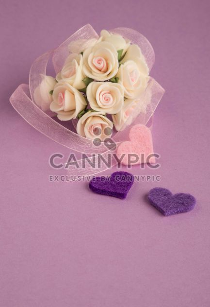 Bouquet of white roses and hearts - Free image #182993