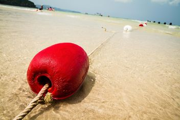 Red buoy on a sand - image gratuit #183433