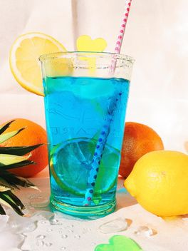Glass of blue fruit cocktail - Free image #184223