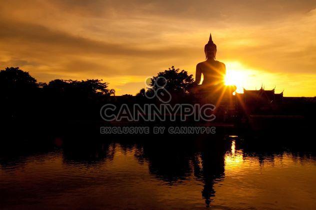 Estátua de Buda em luz do sol - Free image #184273