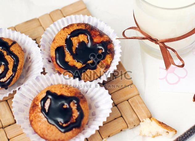 Cupcake et lait - image gratuit(e) #185853