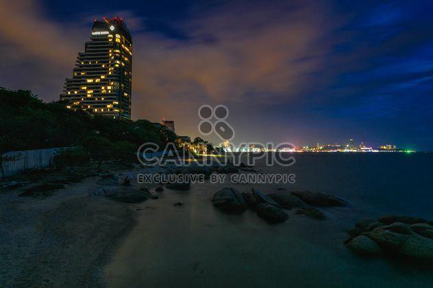 Pattaya beach pendant la nuit - image gratuit(e) #186103