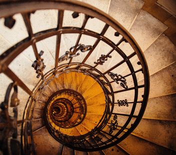 Upside view of a spiral staircase - image gratuit #186233