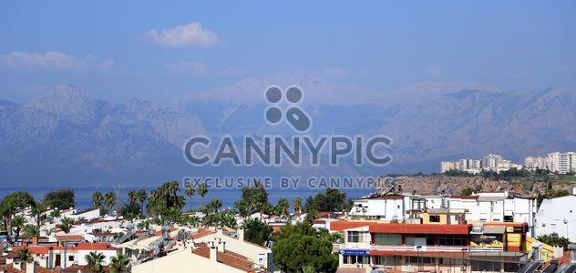 Blick auf die Berge und die Architektur von Antalya - Kostenloses image #186713