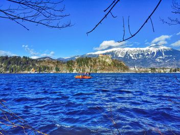 Boat on Bled Lake - image #186823 gratis