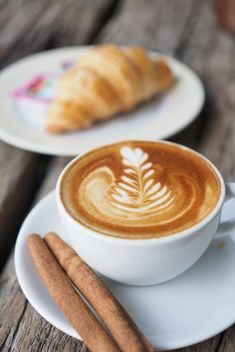 Coffee latte art with cinnamon - Kostenloses image #187063