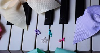 Tiny notes On The Piano - image gratuit(e) #200983