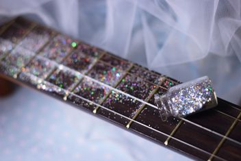 girly guitar glitter - image gratuit #201033