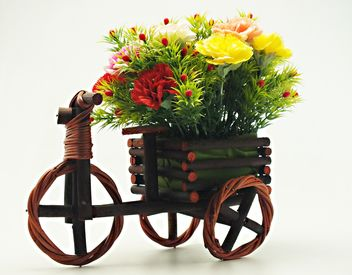 #onbycicle #mylastphoto, Decorative bicycle with flowers - image #205083 gratis