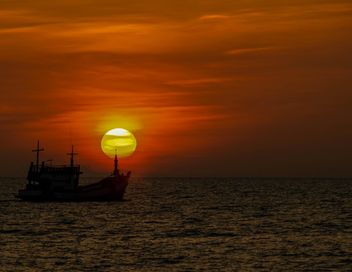 Silhouette of a ship - image gratuit #271853