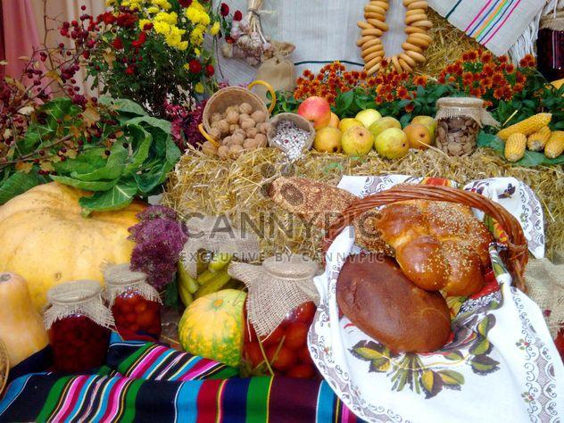 Produits de boulangerie et de légumes en conserve - image gratuit(e) #273163
