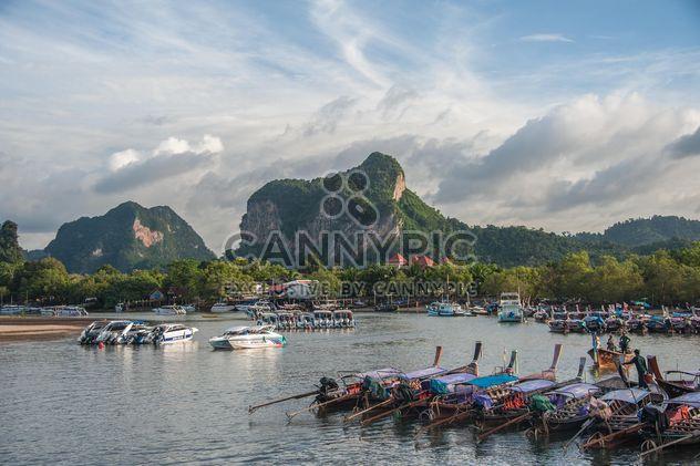 Bateaux de pêche sur quai - image gratuit #273533