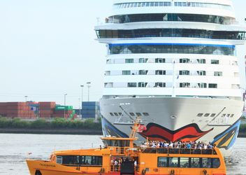 Cruise ship Aida Stella Starts from Hamburg - image #273733 gratis