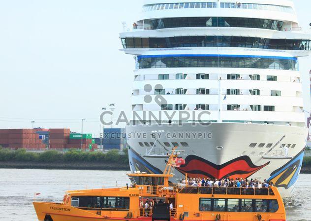 Navire de croisière Aida Stella commence à partir de Hambourg - image gratuit(e) #273733
