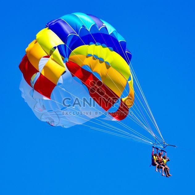 Extreme Fallschirm Flug - Kostenloses image #273943