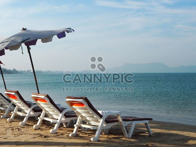 Bed for relaxing on the beach - Free image #275113