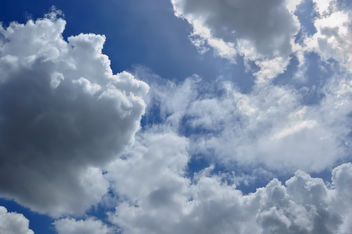 Clouds on Blue Sky - Kostenloses image #280783