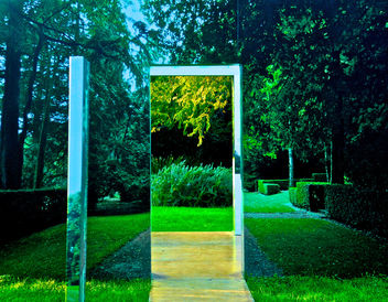 A garden with a door to a garden - image gratuit #285633