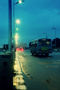 A rainy evening at Marina Beach Road - image gratuit #289873