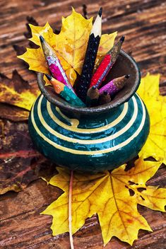 Vase with pencils and leaves - бесплатный image #301983