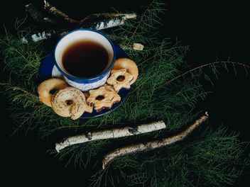 Black tea and cookies - image gratuit #302863