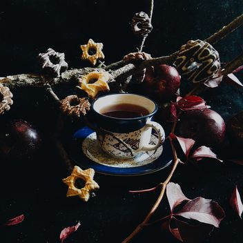 Black tea and cookies - image gratuit #302873