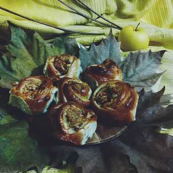 Homemade apple pastries - image gratuit #303303