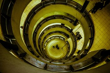 Urban spiral staircase - image gratuit #304463