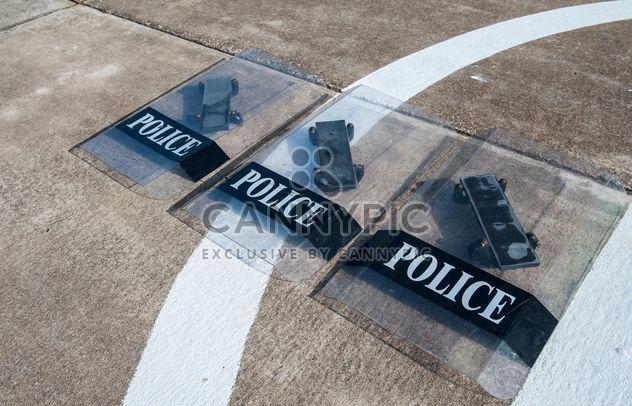 Boucliers de la police - image gratuit(e) #304683
