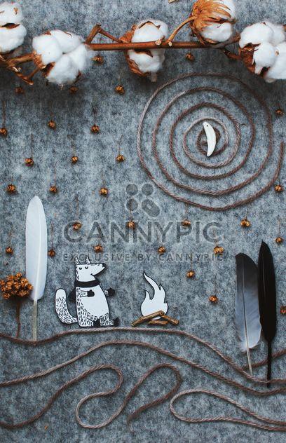 Аппликация из бумаги Фокс, хлопка и перья - бесплатный image #305363