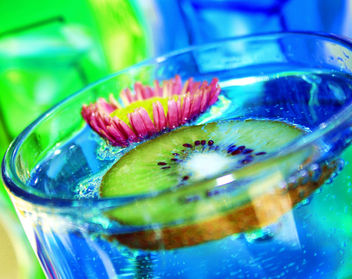 Fabulous Blue Kiwi Drink and Flower - image #318463 gratis