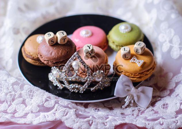 Macarons auf einem Teller - Kostenloses image #327793