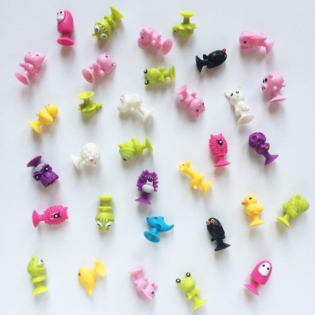 Small toy over white background - image gratuit(e) #329153
