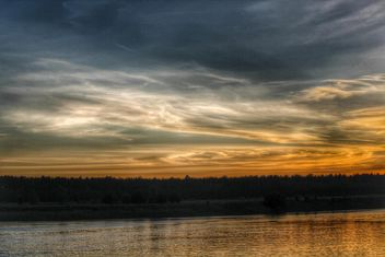 Sunset on a lake - image #329953 gratis