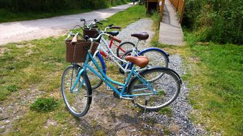 Bicycles for hire greenway cycle track - image gratuit #330303