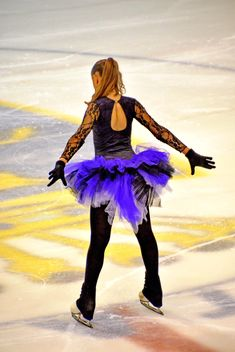 Ice skating dancer - Free image #330923