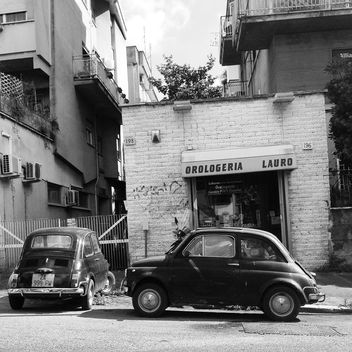 Two old Fiat 500 cars - Kostenloses image #331183