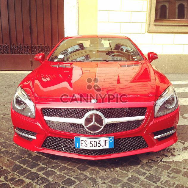 Red Mercedes car - image gratuit #331233