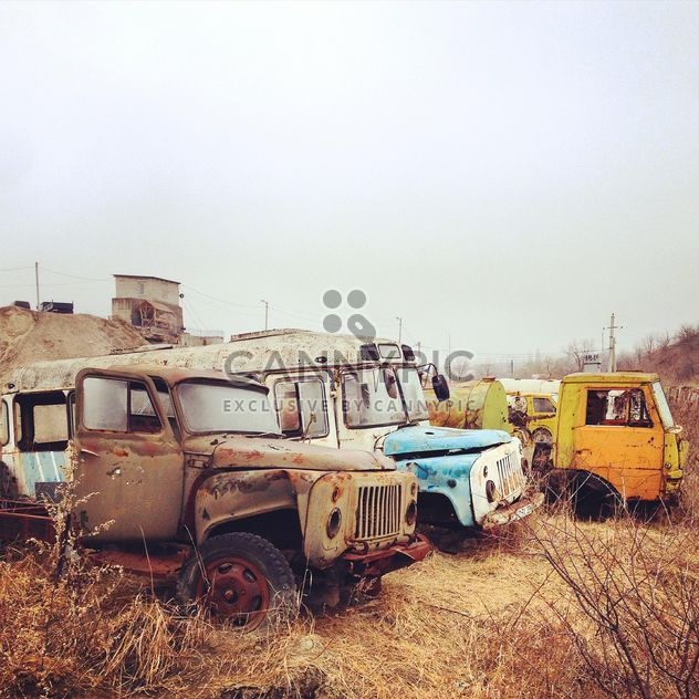 Autos estrelladas abandonadas - image #332113 gratis