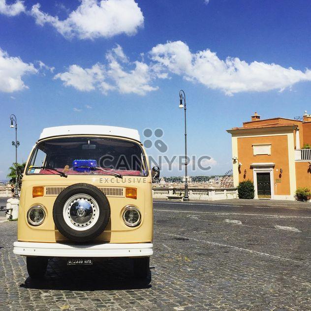 Carro antigo amarelo - Free image #332383