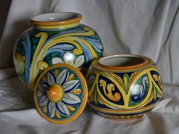 painted ceramic vases - image #333803 gratis