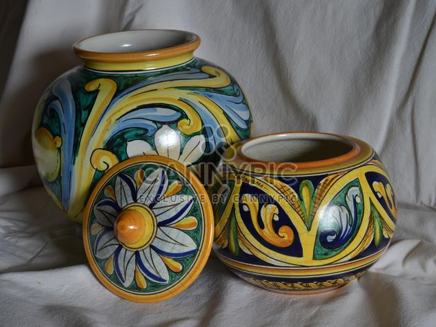 painted ceramic vases - image gratuit #333803