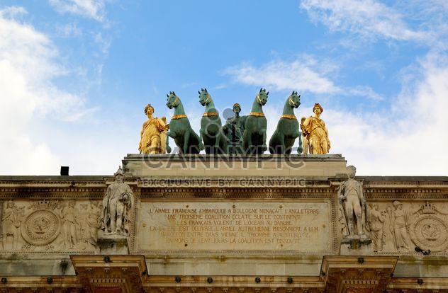 Monumento del caballería en arco del triunfo - image #334253 gratis