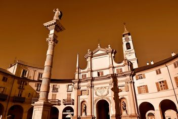 Architecture of italian church - image #334713 gratis