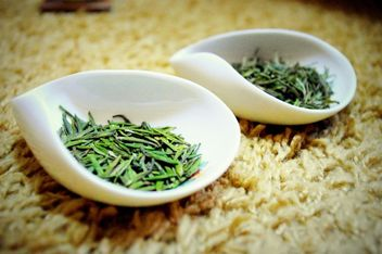 Leaves of green tea - image #339233 gratis