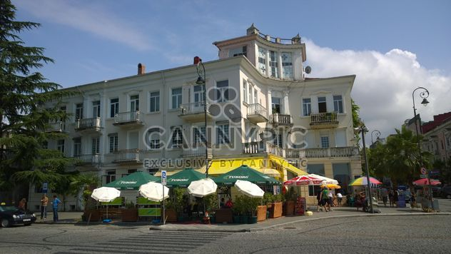 Antiguo edificio de estilo georgiano en Batumi, Georgia - image #346223 gratis