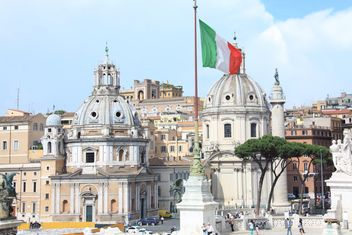 Santa Maria di Loreto church and Trajan column, Piazza Venezia, Rome, Italy - бесплатный image #346233