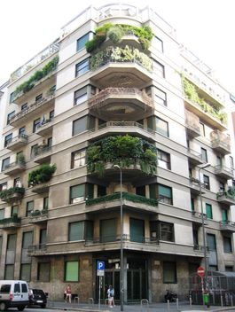 Facade of building on street of Milan, Italy - Free image #346283